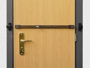 spranga-universale per porta ferramenta como